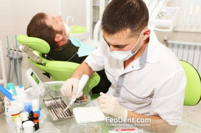 Ильяс Шавкатович - врач стоматологии Гармония