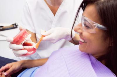 Этапы чистки зубов в стоматологии Гармония в Крыму